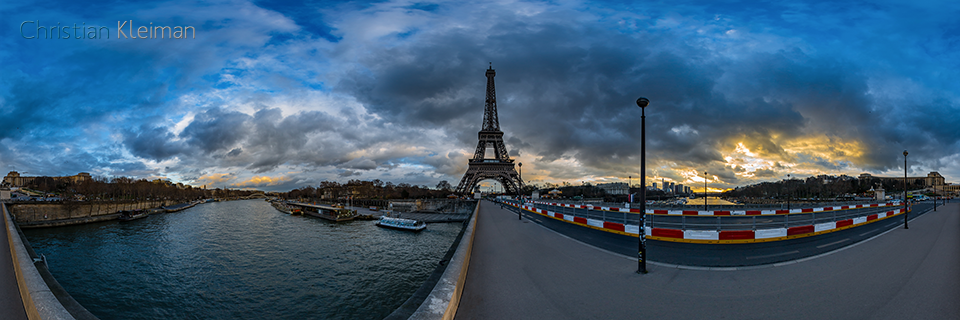 360 VR Photo from Eiffel Tower's view at Jena's Bridge - Pont d'léna - Seine River, Paris