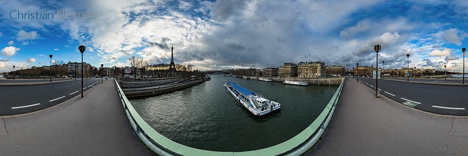 360 VR Photo from Alma's Bridge - Pont de l'Alma - Seine River, Paris