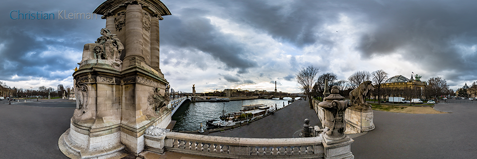 360 VR Photo at entrance to Alexandre III Bridge - Pont de Alexandre III - Seine River, Paris