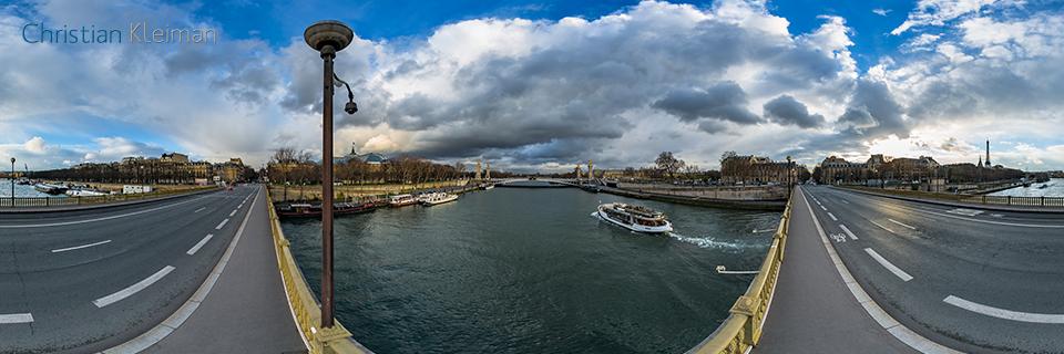 360 VR Photo at Pont des Invalides - Seine River, Paris